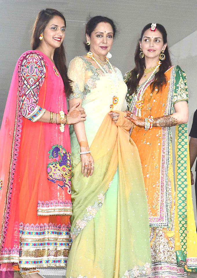 Hema Malini Poses With Esha and Ahana at Mehendi Ceremony Party