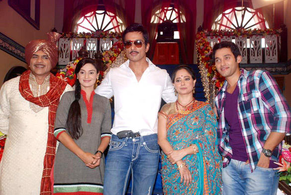 Sonu Sood Promote Maximum On The Sets Of Hitler Didi