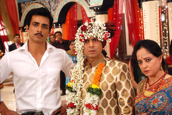 Sonu Sood Promote Maximum On The Sets Hitler Didi
