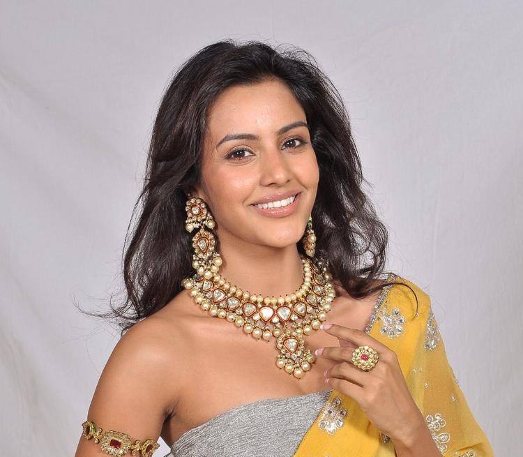 Priya Anand Chunky Jewellery Pic