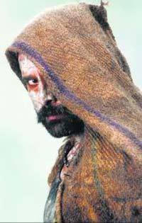 Vikram Play As Villain Role In Raavan