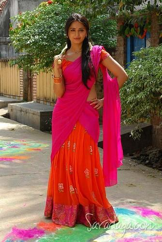 Anushka Shetty Halfsaree Cute Stunning Pic