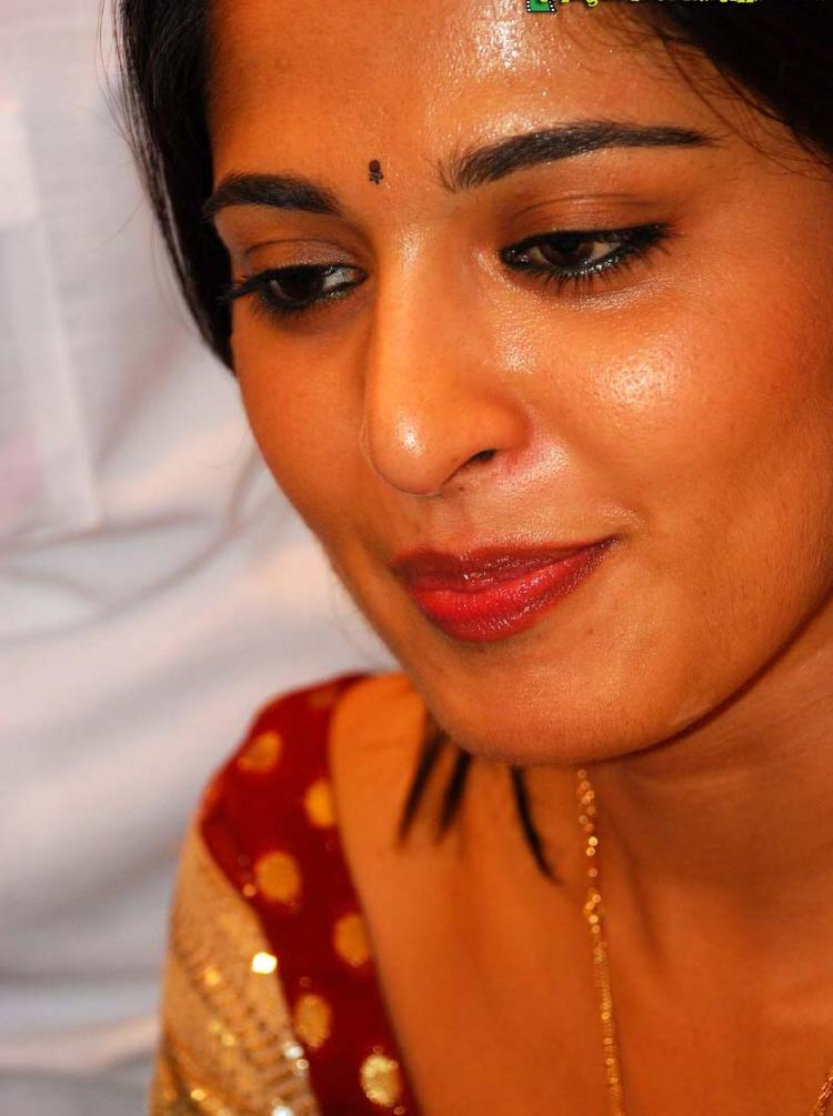 Anushka Shetty Red Lips Sweet Close Up Pic