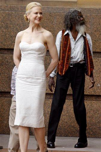 Nicole Kidman Looks Sexy In This White Dress