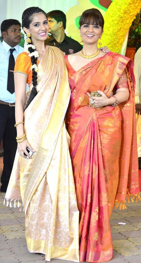Neeta Lulla with Daughter Nishka at Esha Deol Wedding Ceremony