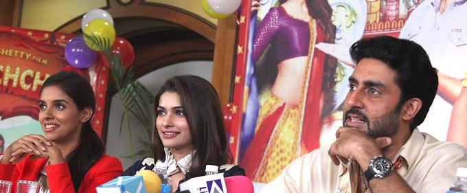 Abhi,Prachi and Asin On The Sets Of Taarak Mehta Ka Ooltah Chashmah To Promote Their Film Bol Bachchan