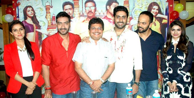Ajay,Abhi,Prachi,Asin and Rohit Poses To Photo Shoot On The Sets Of Taarak Mehta Ka Ooltah Chashmah