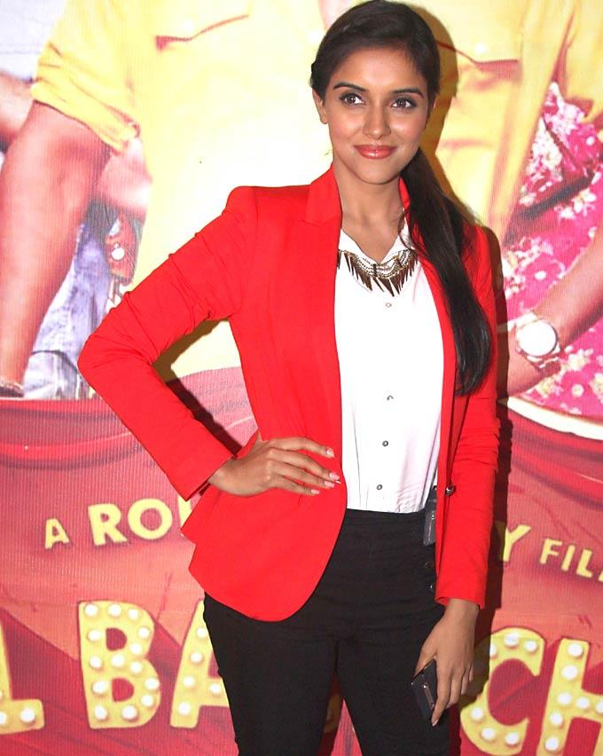 Asin Sweet Smile Pic To Promote Bol Bachchan On TV Serial Taarak Mehta Ka Ooltah Chashmah