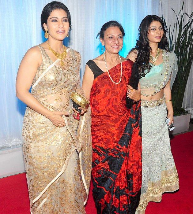 Kajol,Tanuja and Tanisha Spanned at Esha and Bharat  Wedding Reception