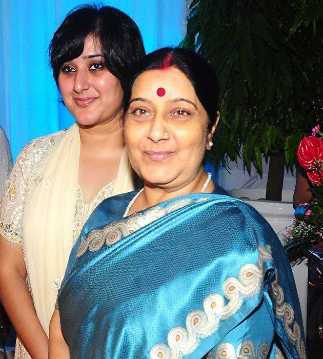 Sushma Swaraj Attend Esha and Bharat  Wedding Reception
