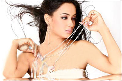 Shweta Tiwari Looks Sexy In This Dress