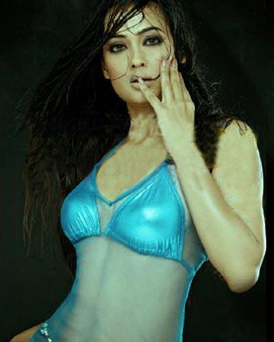 Shweta Tiwari Posing Hot In Bikini