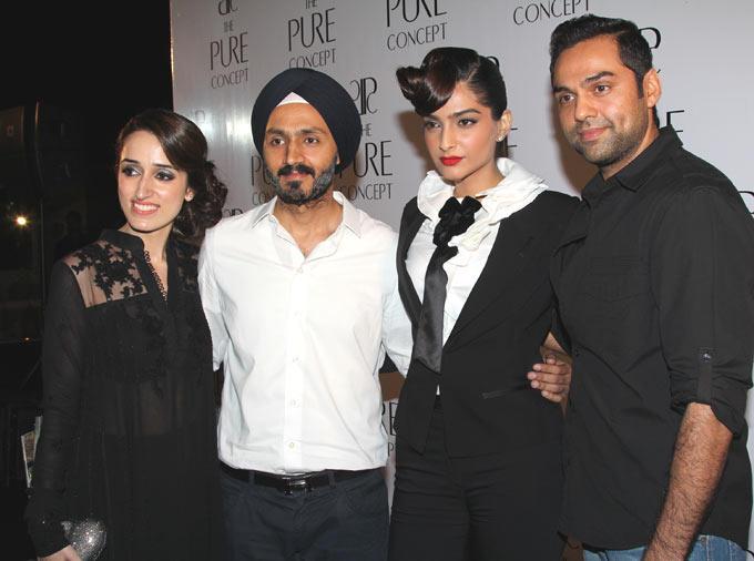 Chanya,Dalbi,Sonam and Abhay Poses at Pure Concept Store