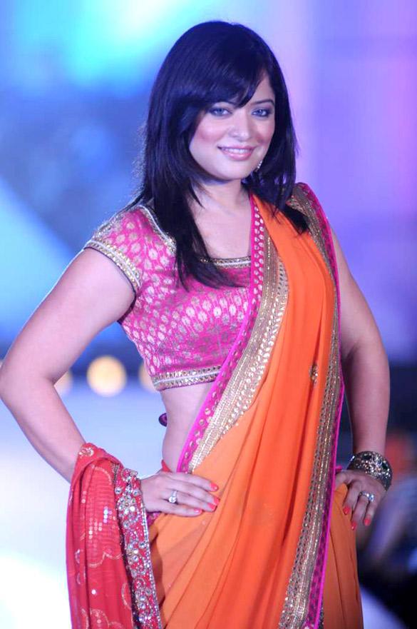 Arzoo Govitrikar Walks For Manish Malhotra Fashion Show