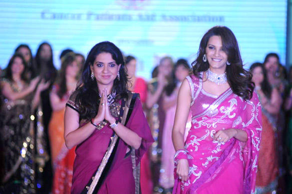 Diana Hayden On Ramp For Manish Malhotra Fashion Show