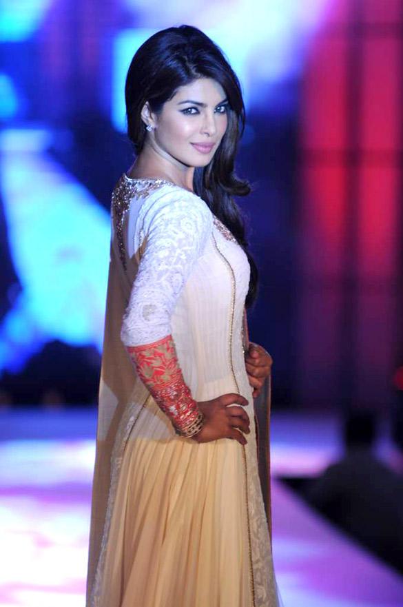 Priyanka Chopra Strikes a Pose at Manish Malhotra Fashion Show