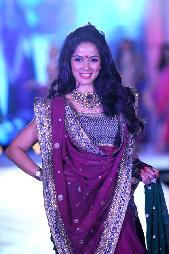 Vidya Malvade at CPAA For Manish Malhotra Fashion Show