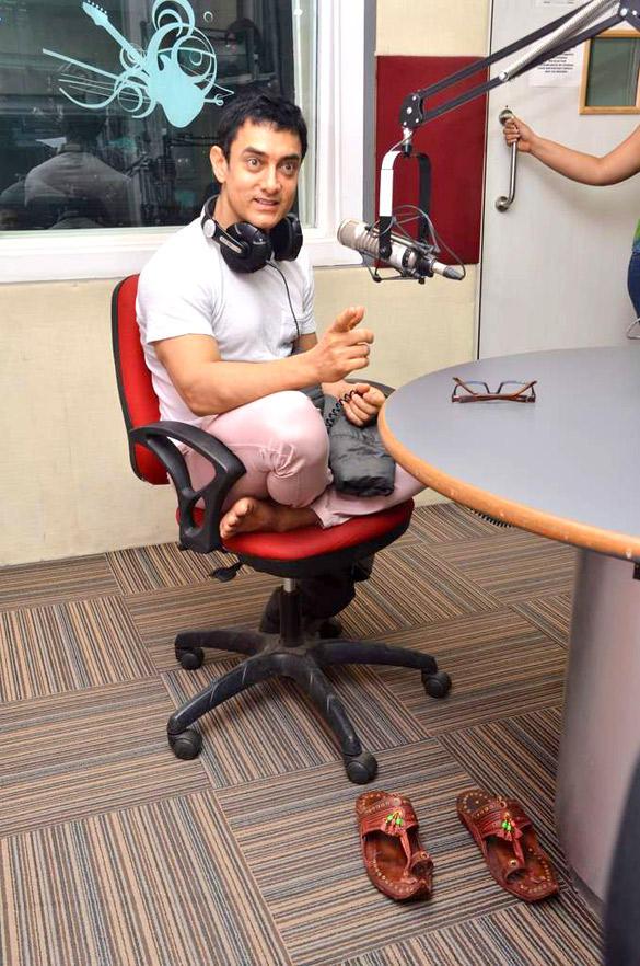 Aamir Khan Promote Satyamev Jayate at 92.7 BIG FM