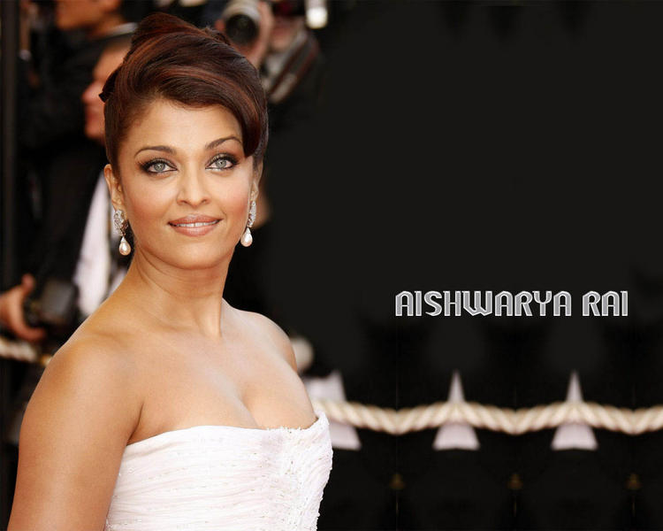 Aishwarya Rai Awesome Look Wallpaper at Cannes