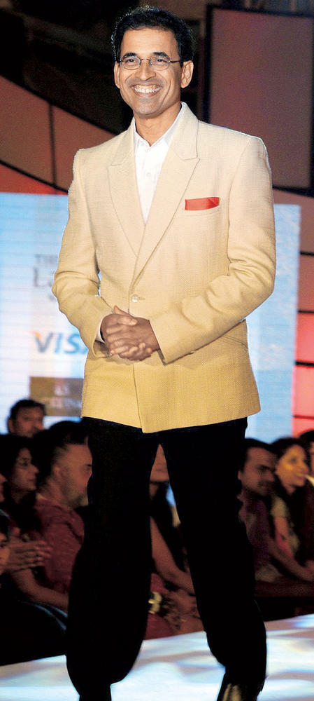 Harsha Bhogle On Ramp at CPAA Fashion Show 2012