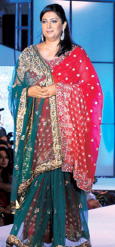 Smriti Irani Walk Ramp at CPAA Fashion Show 2012