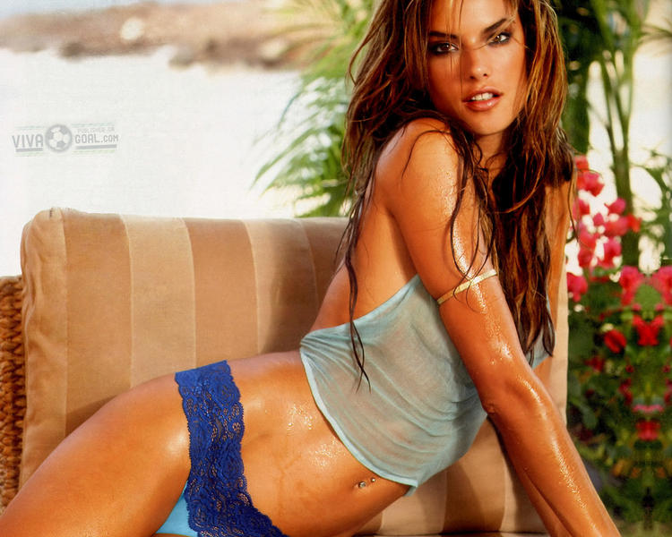 Alessandra Ambrosio Hot Shocking Pic