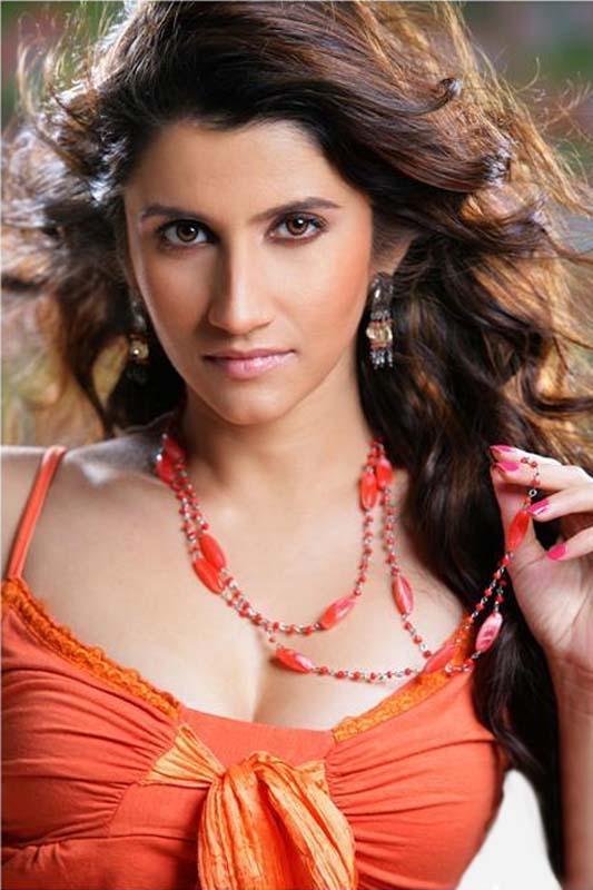 Smiley Suri Sexiest Face Look Hot Still