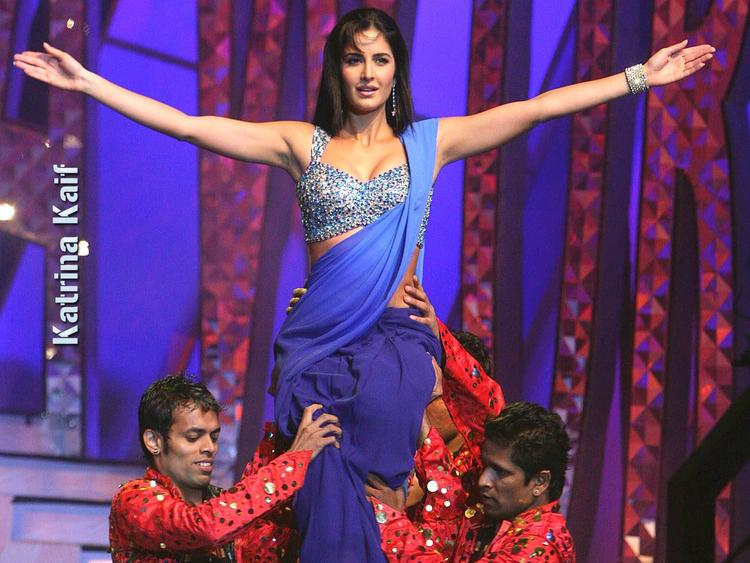 Katrina Kaif Latest Performance Still In Dual Color Saree