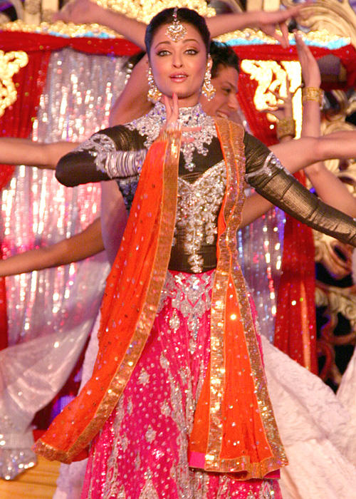 Aishwarya Rai Dancing Performance Still