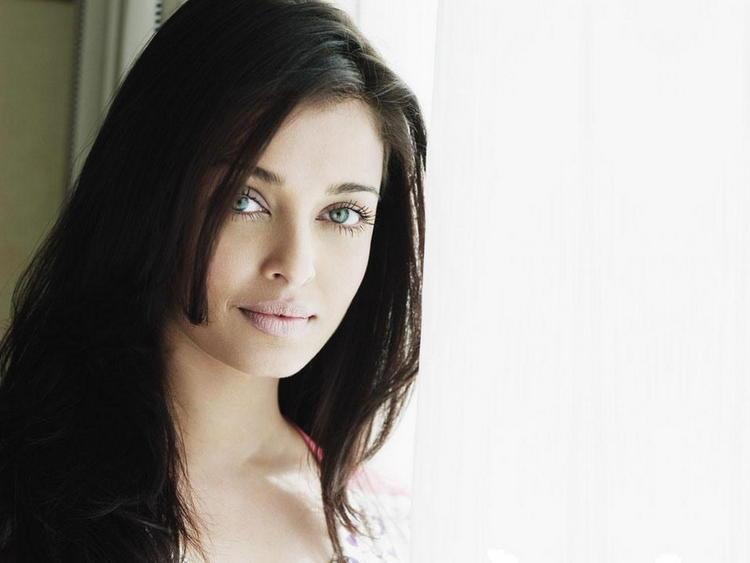 Aishwarya Rai Stunning Look Pic