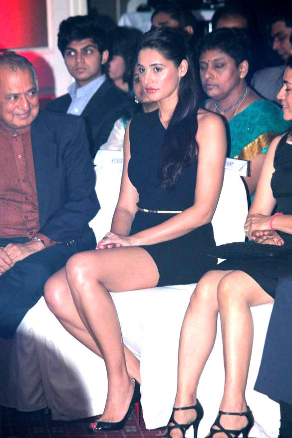 Hottie Nargis Fakhri Sexy Legs Still at 8th Indo-American Corporate Excellence Awards