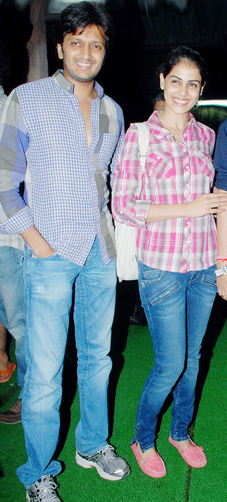 Happily Married Couple Riteish and Genelia Attend a Special Screening of Bol Bachchan