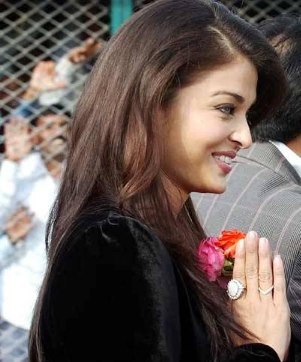 Aishwarya Public Sweet Photo
