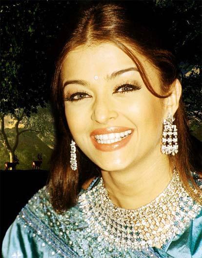 Aishwarya Rai Gorgeous Smile Photo