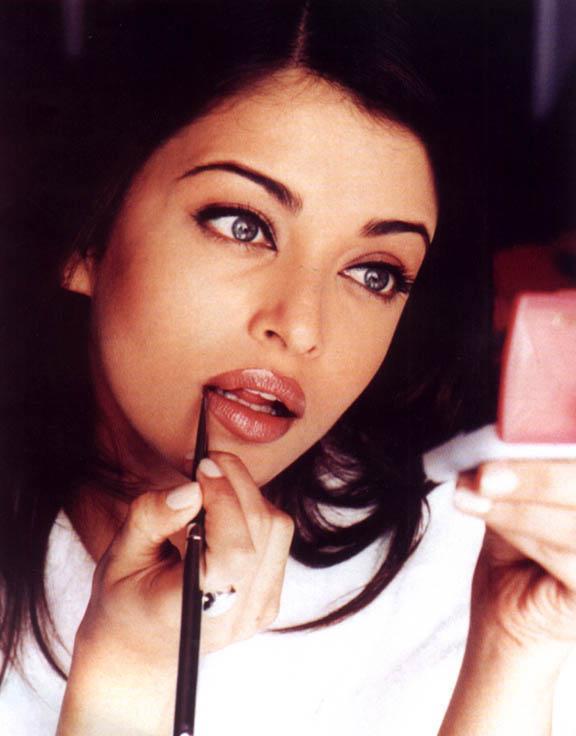 Aishwarya Wet Lips Sexy Still