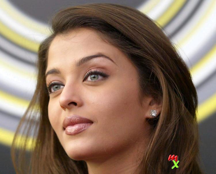 Green Eyes Beauty Aishwarya Nice Pic