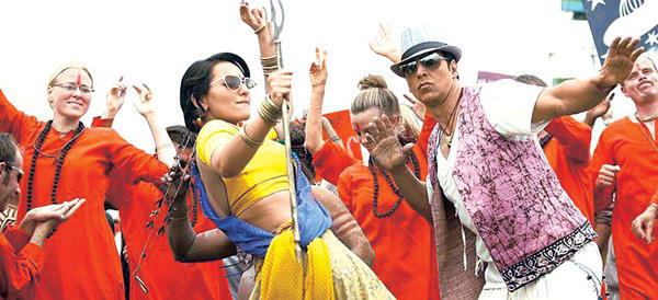 Akshay and Sonakshi Controversial Song Still in Jocker