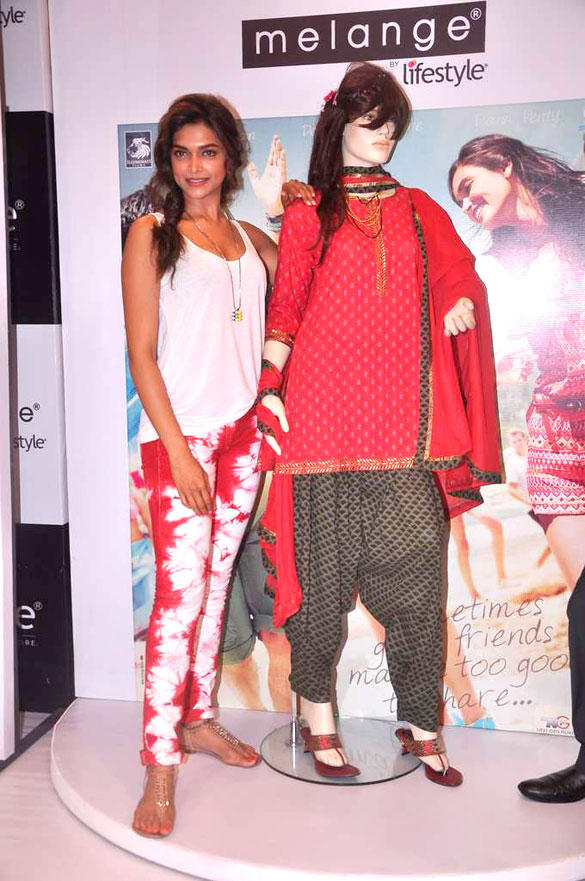 Deepika at the Launch of Cocktail Inspired Collection of Ethnic Wear by Melange at Lifestyle Store