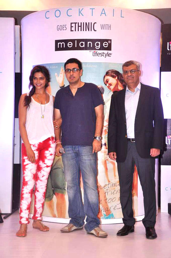 Deepika Unveils Melange Lifestyle Ethinic Look For Cocktail