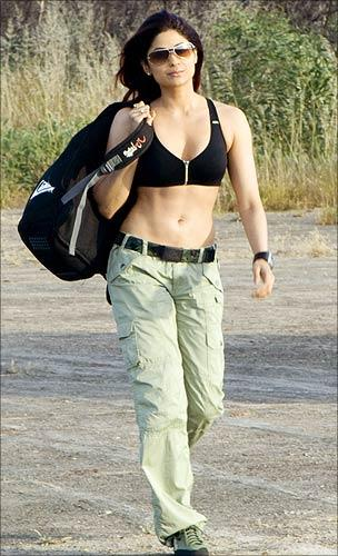 Shamita Shetty Sexy Stylist Look Pic