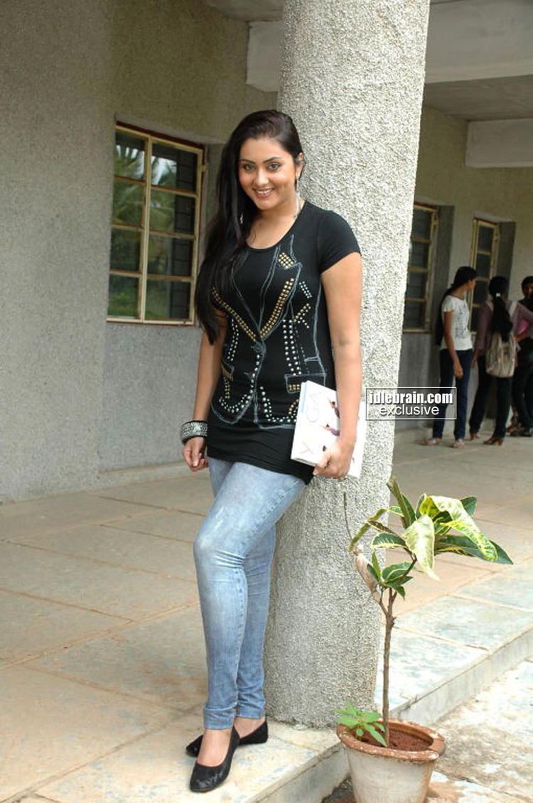 Namitha Kapoor Looks Hot In Blue Jeans and Black Tops
