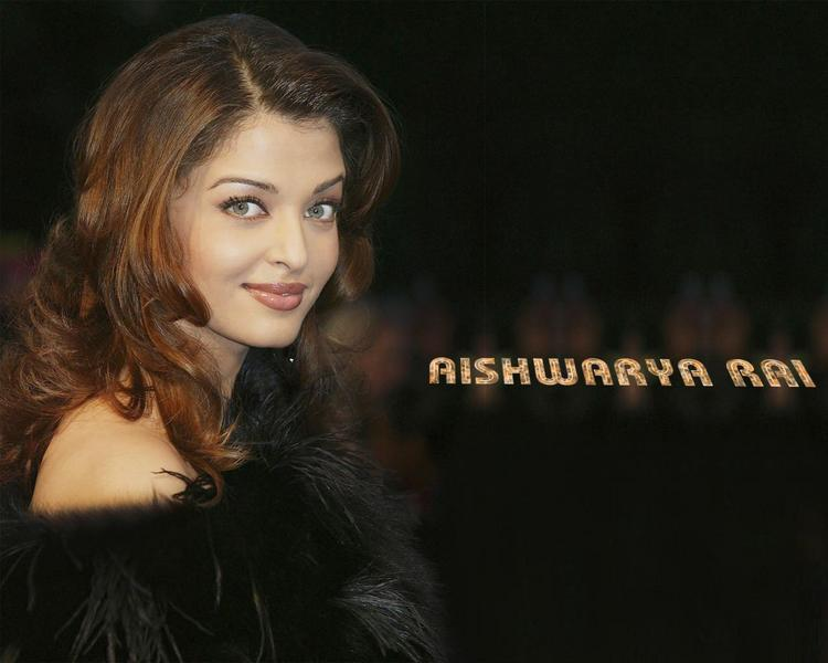 Aishwarya Rai Sizzling Wallpaper