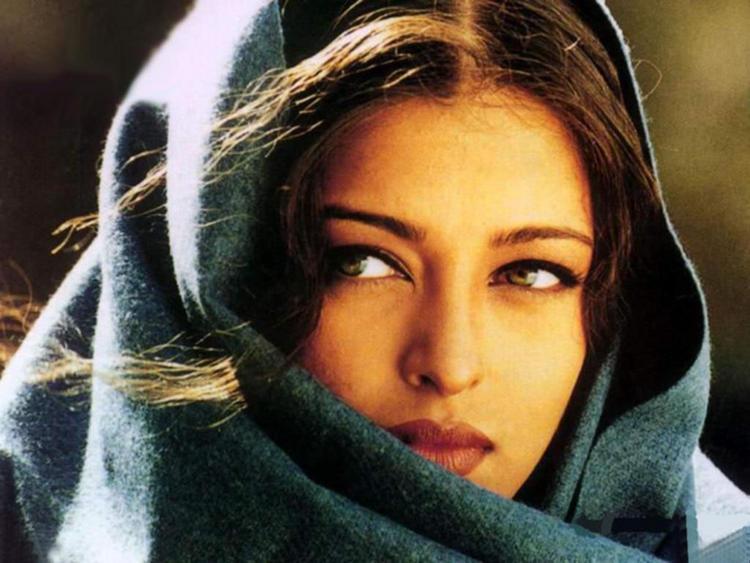 Beauty Queen Aishwarya Nice Pic