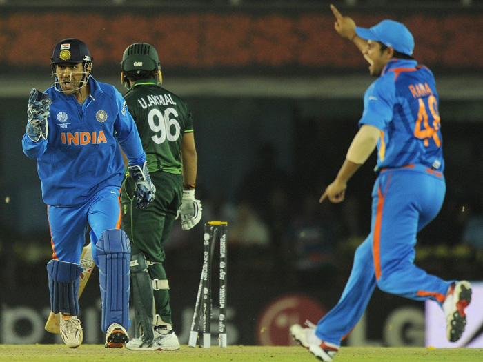 Cricket World Cup Final India Vs Pakistan Semi Final Dhoni Celebrates The Wicket of Umar Akmal