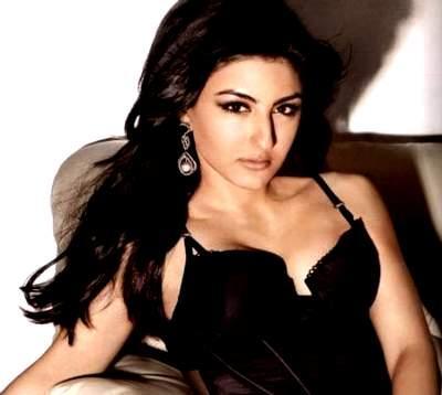 Soha Ali Khan Hot Spicy Pose Pic