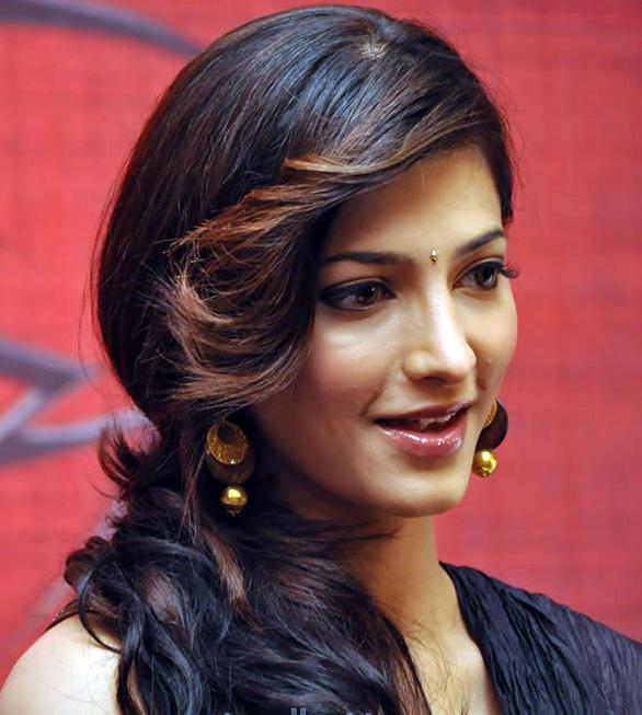 Shruti Haasan Cute Beauty Face Still
