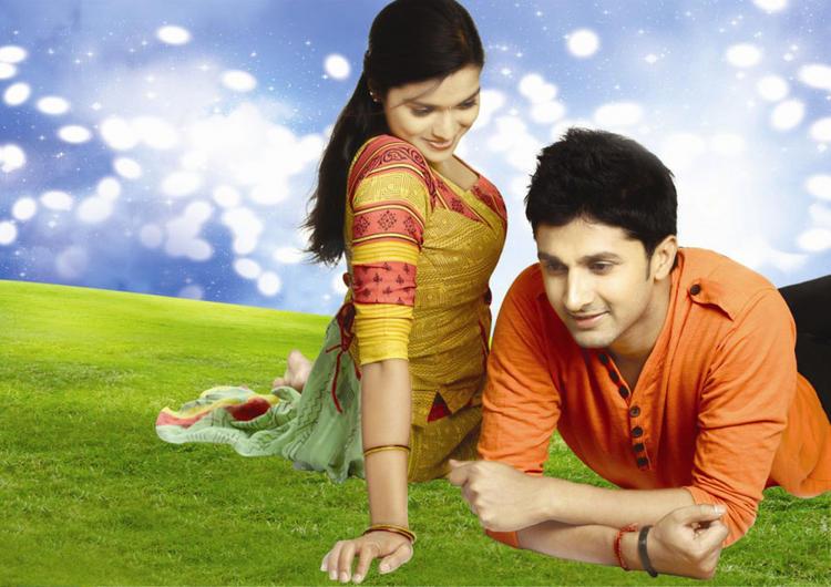 Prakruthi and Viraat On Love Mode Still From Good Morning Movie