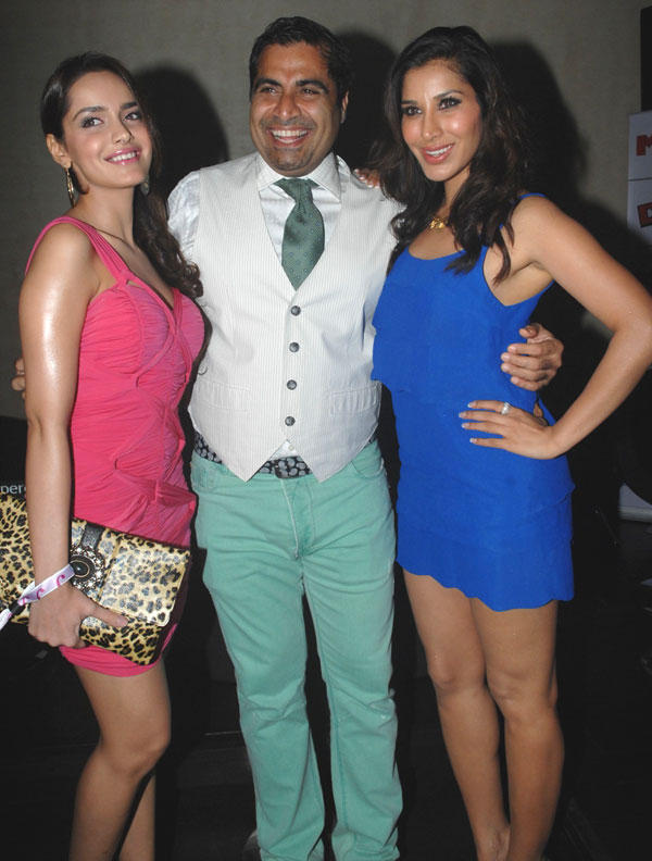 Shazahn,Sophie and Shailendra at DJ Magazine Launch in F Bar