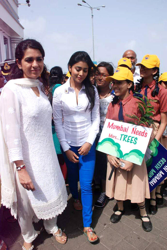 Shriya Saran and Shaina NC at Nana Chudasma's Save Mumbai Foundation Event