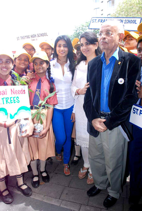 Shriya,Shaina and Nana at Save Mumbai Foundation Event